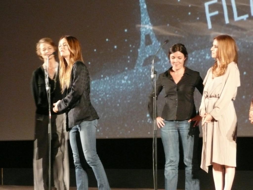 Vanessa Paradis et l'équipe du film JE ME SUIS FAIT TOUT PETIT