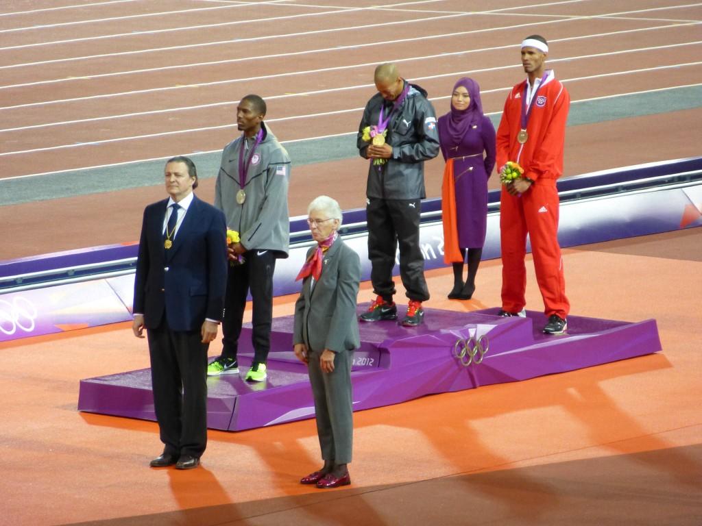 le Dominicain Felix Sanchez qui remporte l'or pour le 400 mètres haie