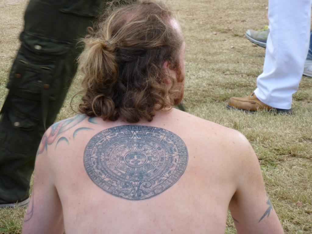 calendrier maya tatoué