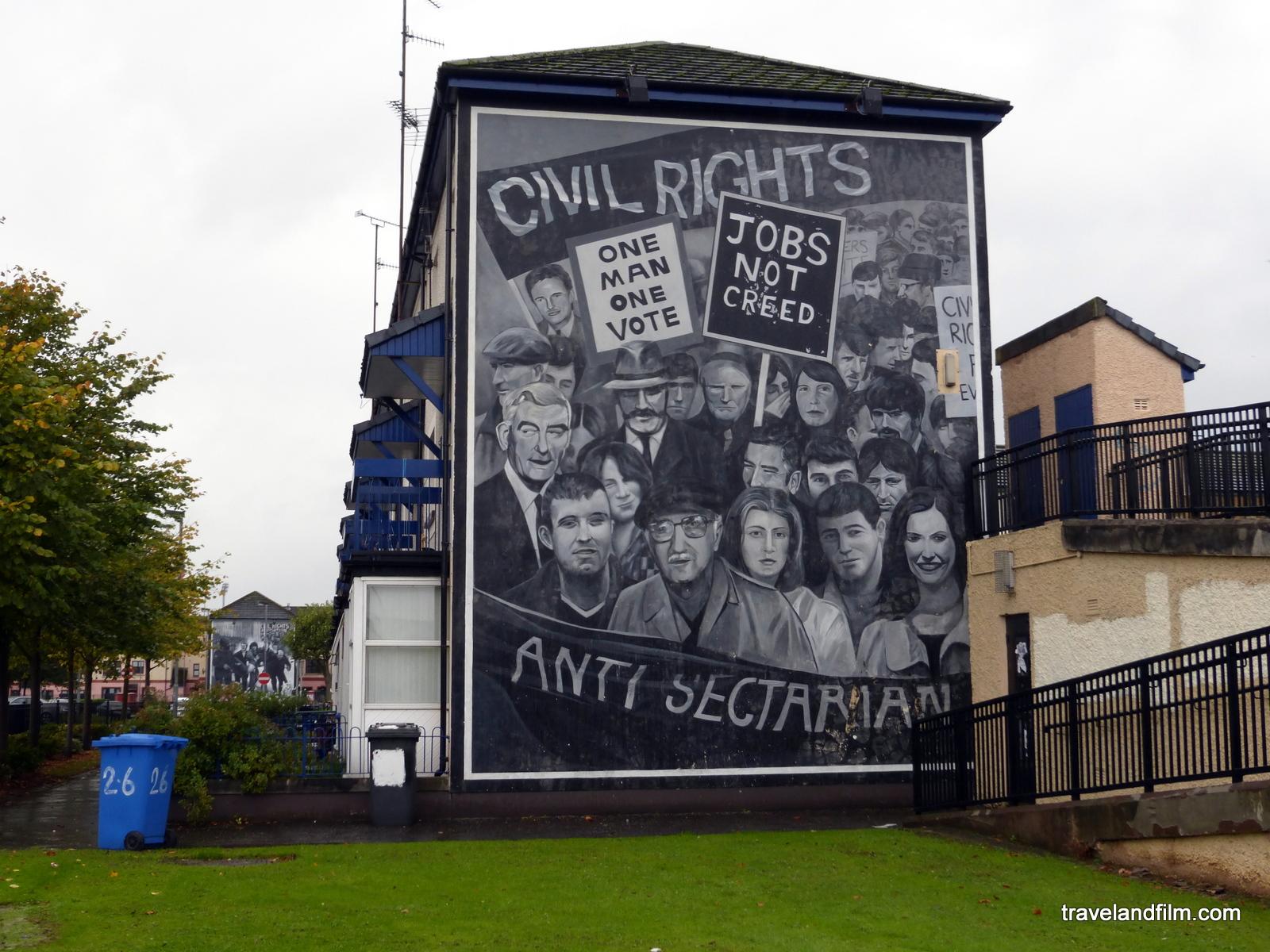Comprendre le bloody sunday derry en musique et films for Mural irlande