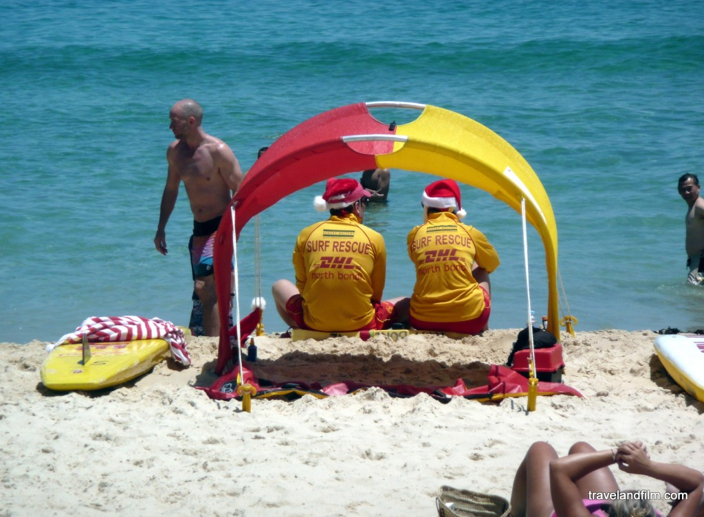 lifeguards-christmas-bondi-beach