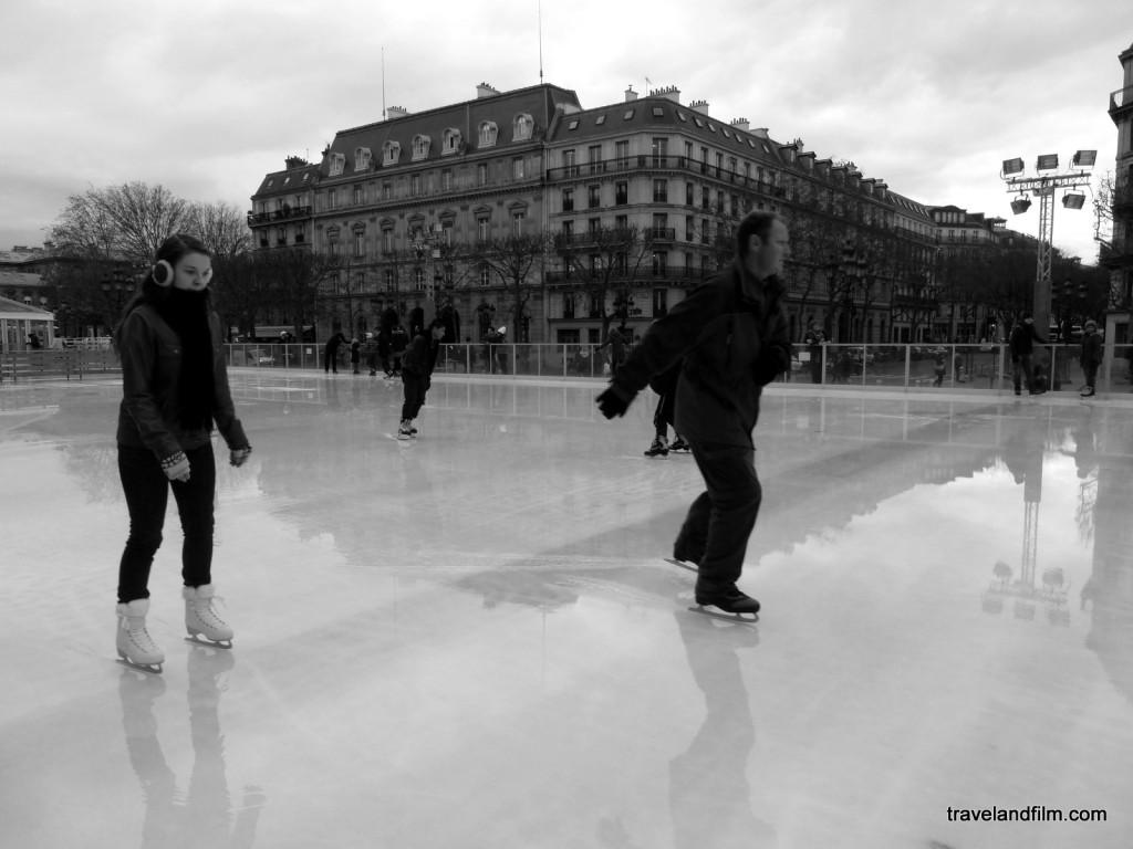 patinoire-hotel-de-ville-glace-mouillee