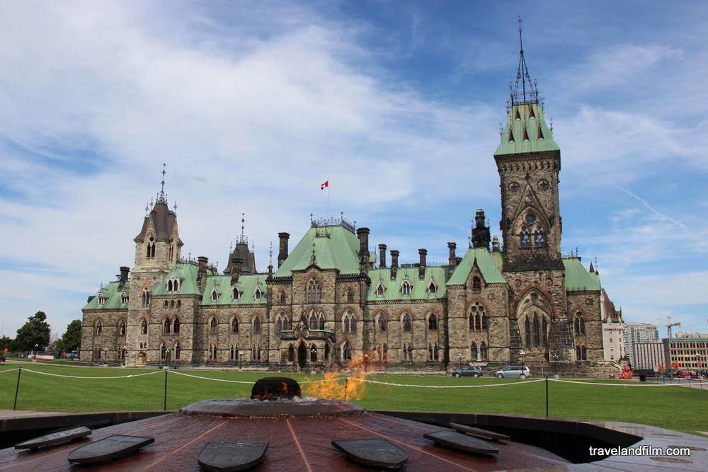 parlement-flamme-ottawa