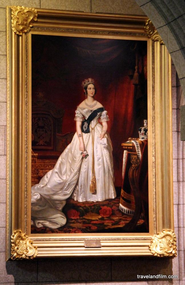 queen-victoria-ottawa