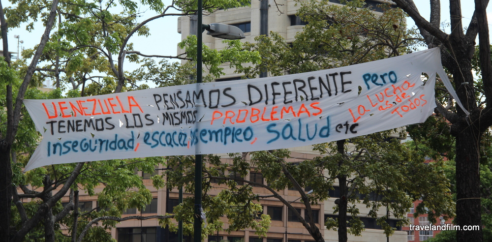 venezuela-banderole-problemes-manifestations