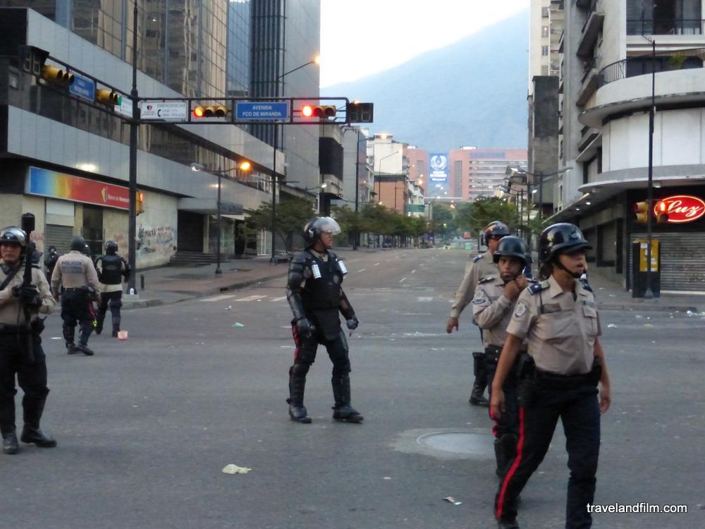 voyage-venezuela-uniforme-police