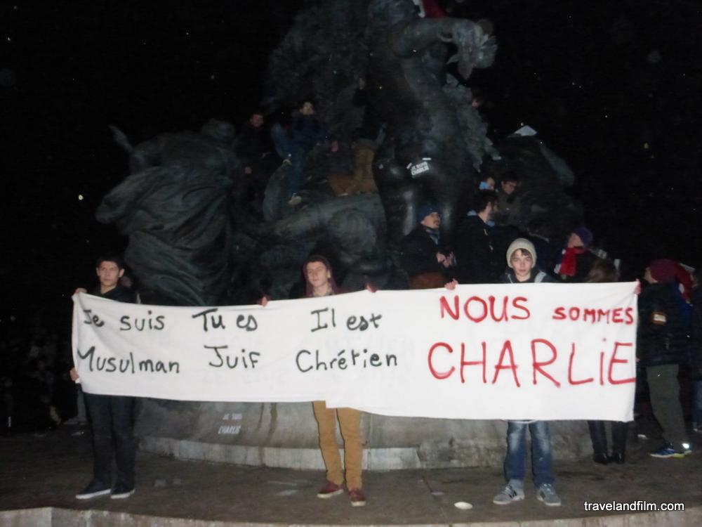 juif-musulman-chretien-nous-sommes-tous-charlie