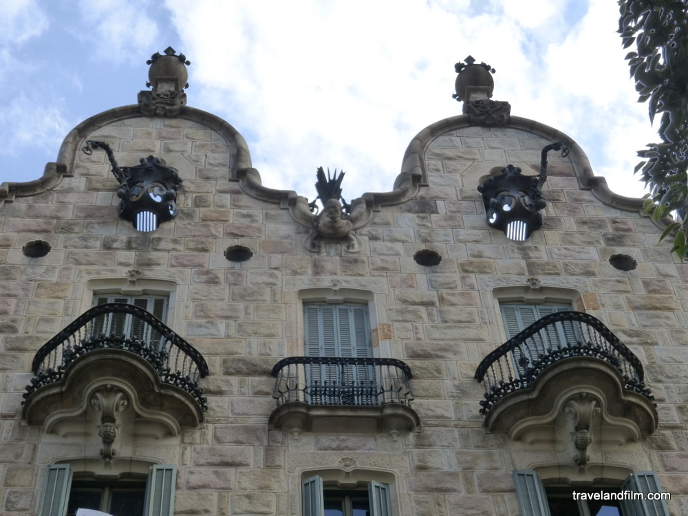 casa-calvet-gaudi-barcelona