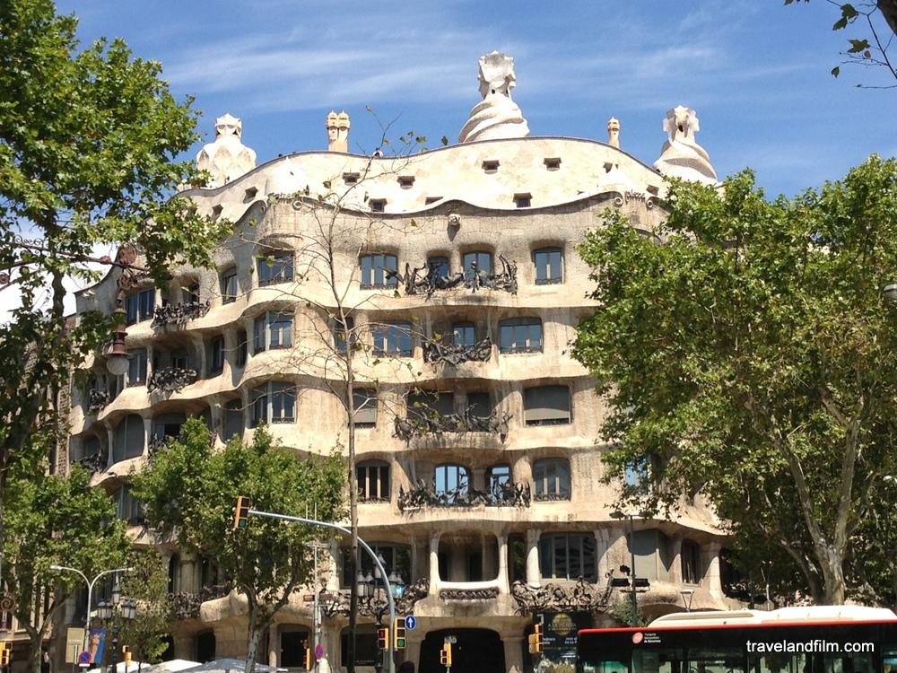 Visiter les 14 chefs d oeuvres de gaudi barcelone - La maison barcelona ...