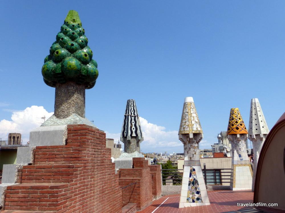terrasse-palau-guell-gaudi-barcelone