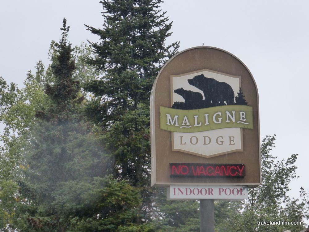 maligne-lake-lodge-jasper