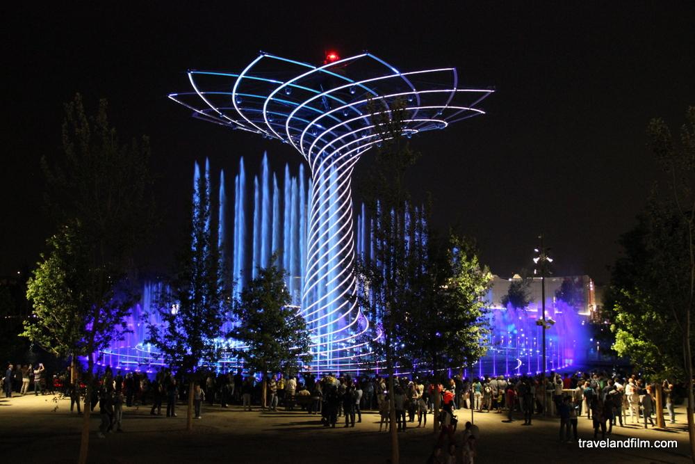 spectacle-arbre-de-vie-expo-milano