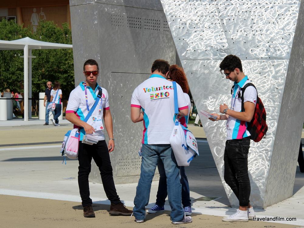 volontaires-expo-de-milan