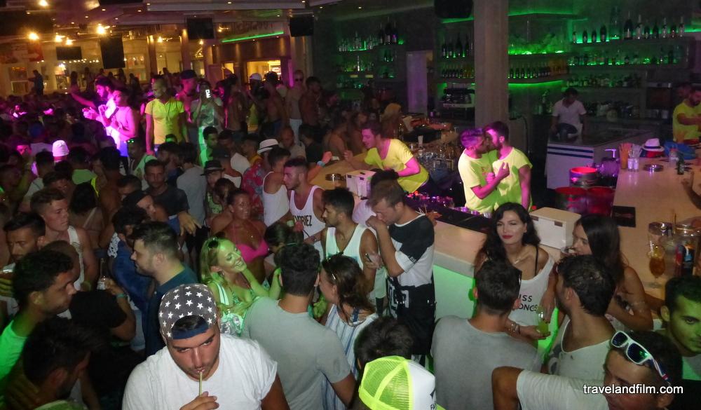 paradise-beach-bar-mykonos