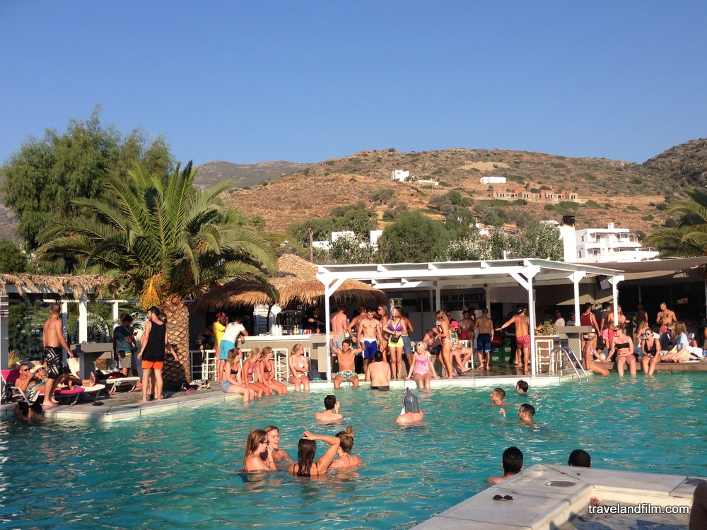 pool-party-far-out-beach-bar-mylopotas-ios