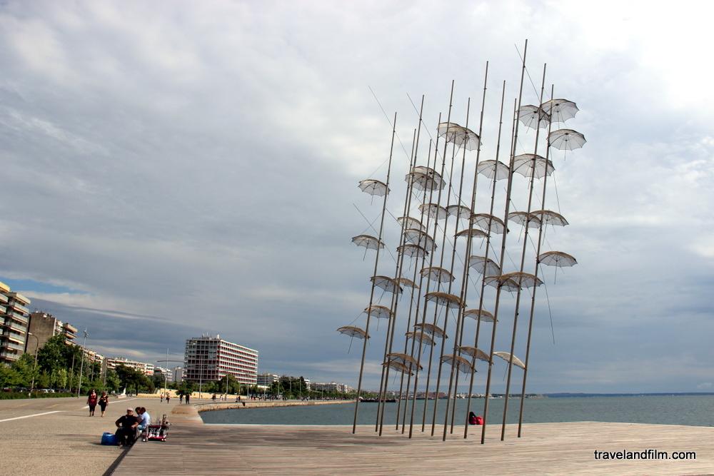 parapluies-art-thessalonique-grece