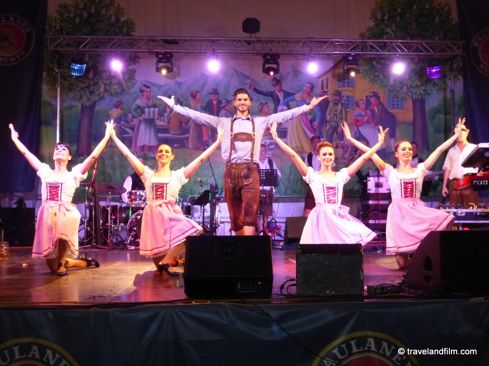 paris-oktoberfest-spectacle
