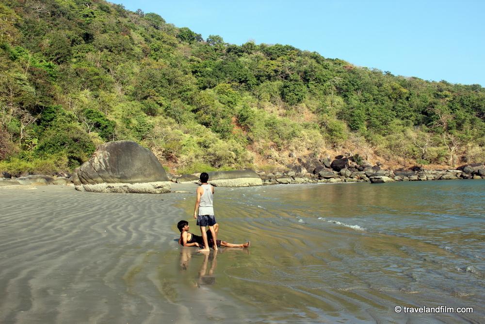 honeymoon-beach-south-goa