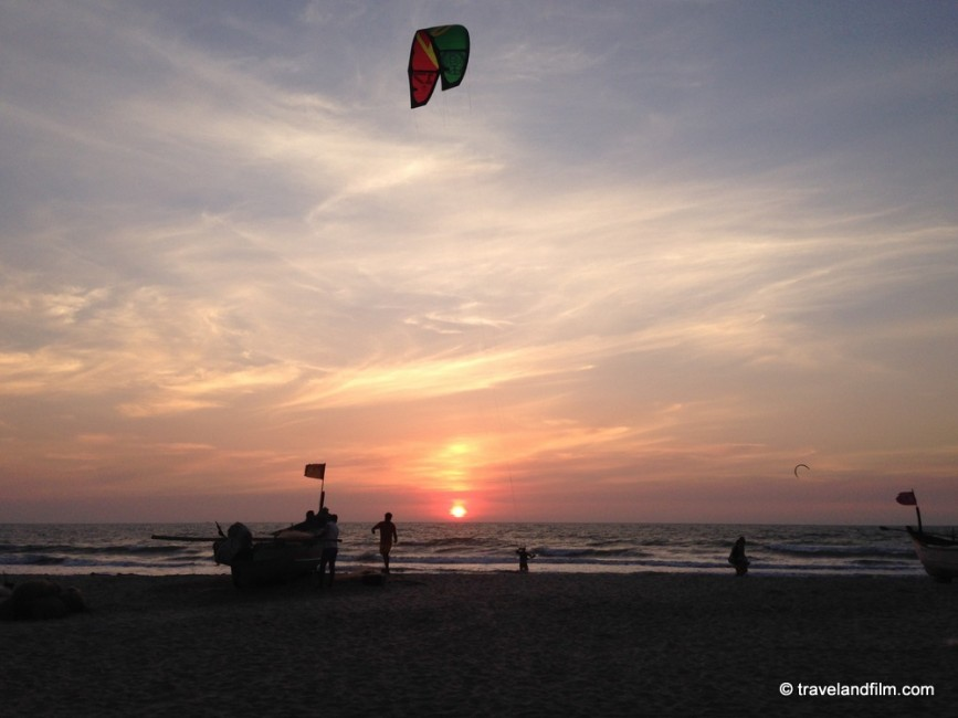 kite-surf-goa-arambol-beach