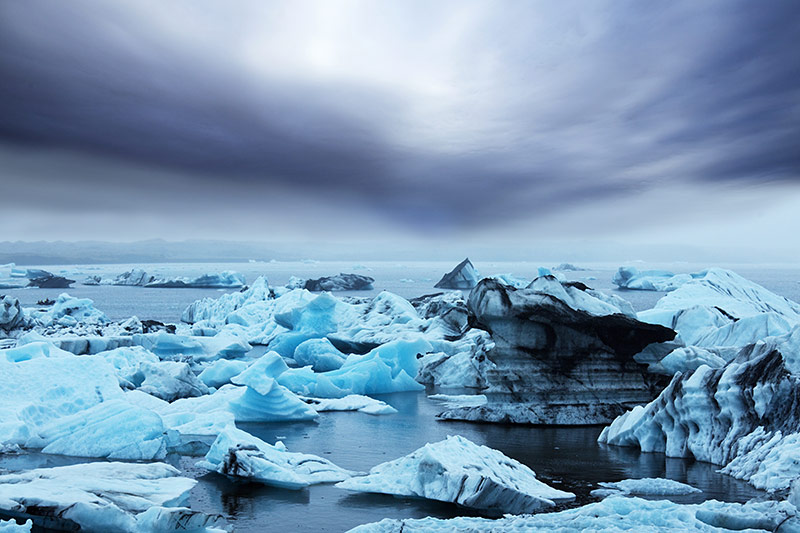vatnajokull-icebergs-formed-due-to-the-separation-from-vatnajokull-glacier-game-of-thrones-iceland