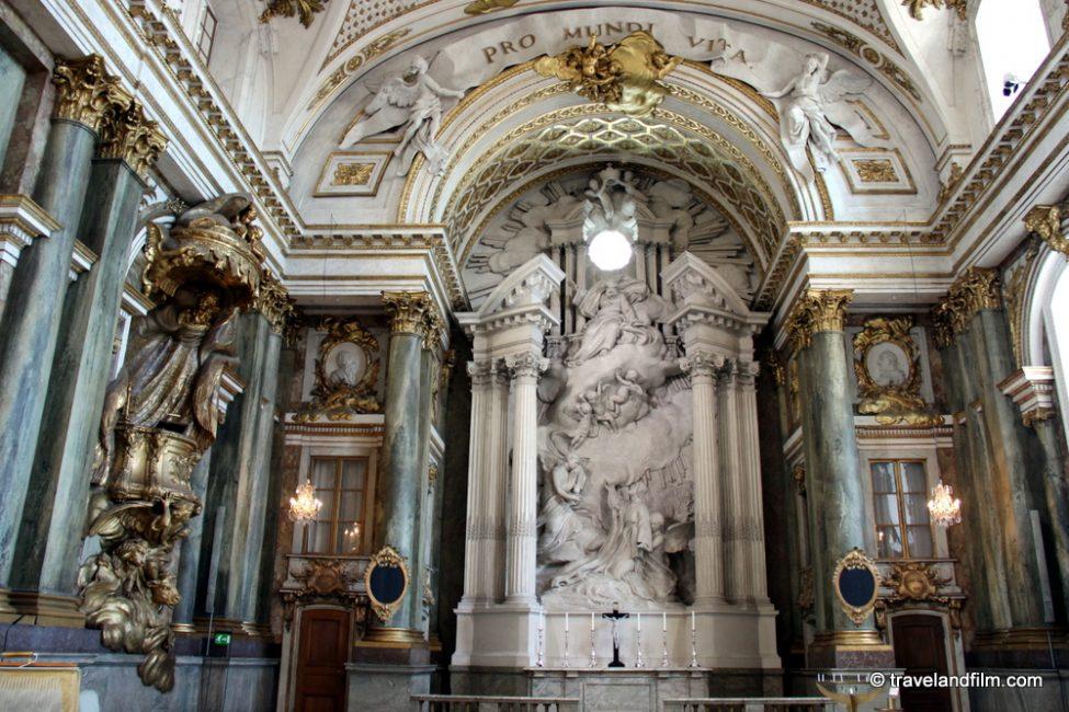 royal-palace-chapel-stockholm