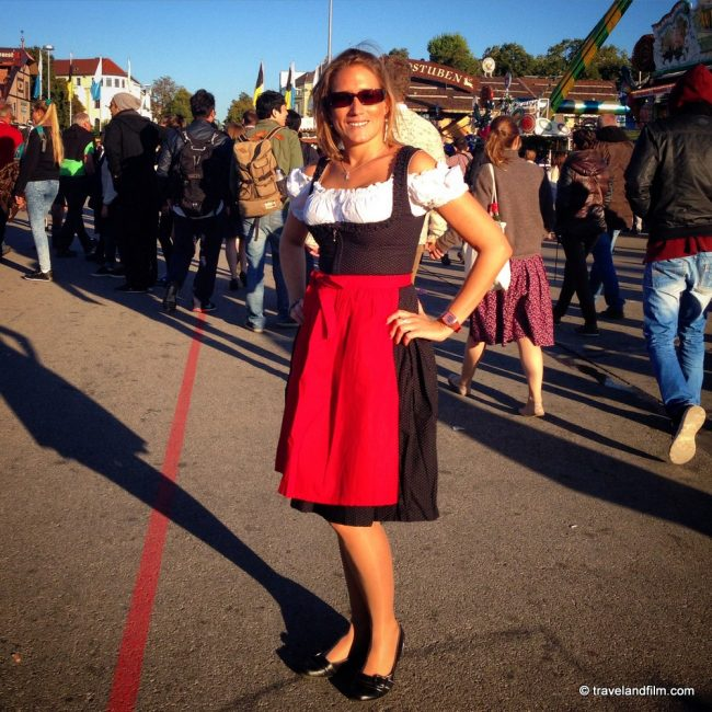 dirndl-costume-bavarois-oktoberfest