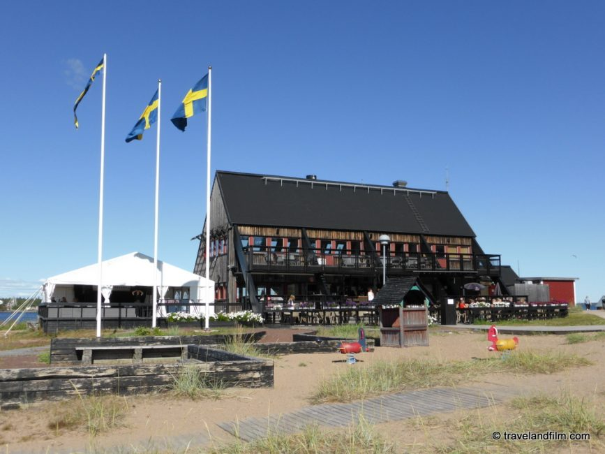 restaurant-at-Klubbviken-sandon-island-suede