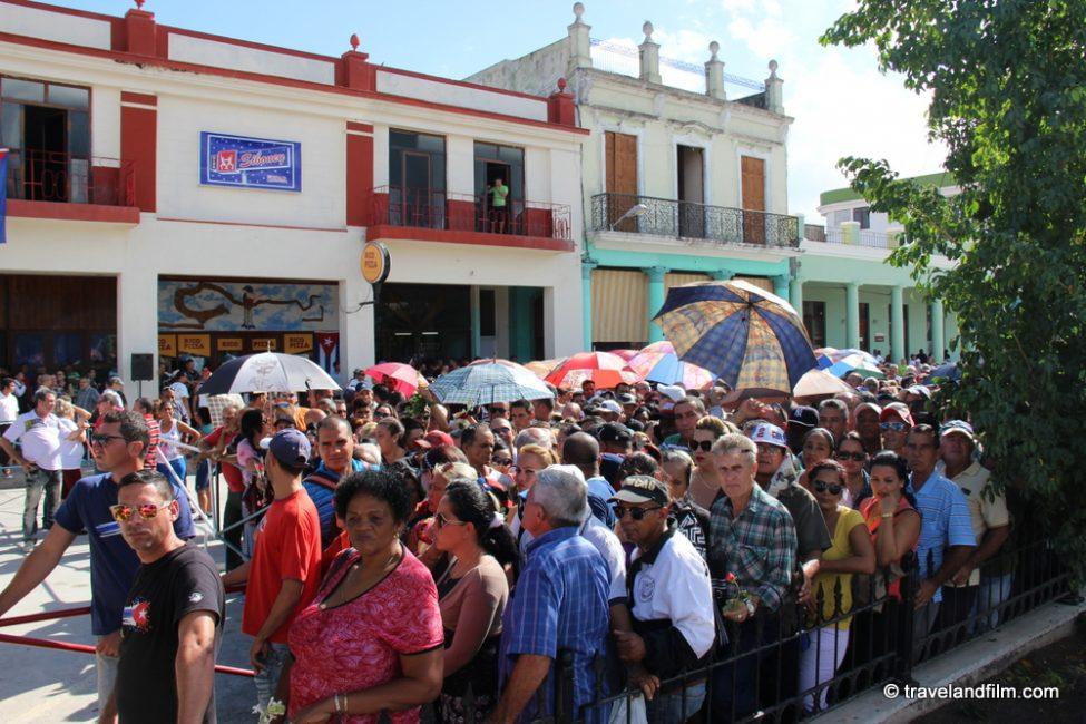 citoyens-cubains-pour-signer-principes-revolution-mort-fidel-castro