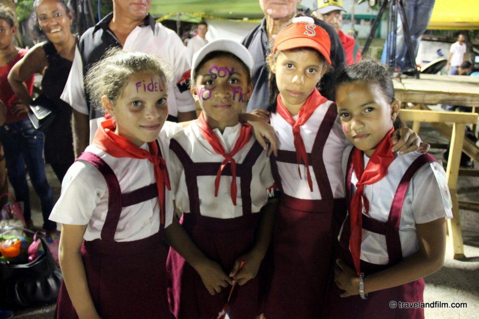 cubaines-hommage-fidel-castro-cuba