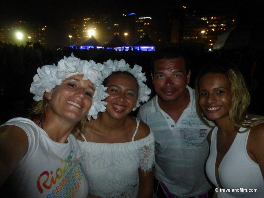 amis-bresiliens-copacabana-plage-reveillon
