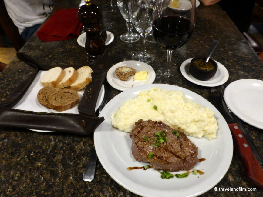 puerto-iguazu-argentine-restaurant-dama-juana