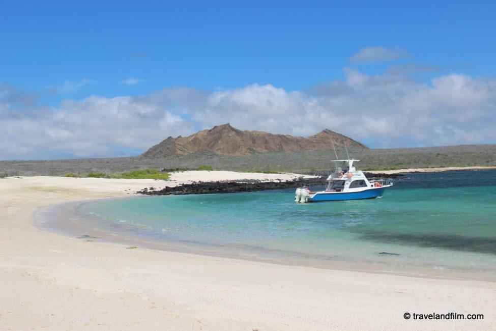 playa-bahia-sardina-tour-san-cristobal-galapagos