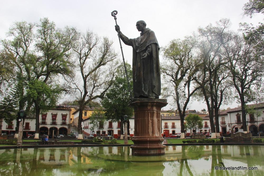 patzcuaro-plaza-vasco-de-quiroga