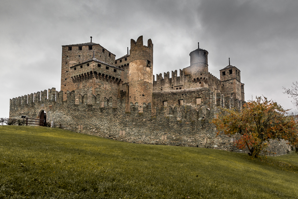 chateau-fenis-vallee-aoste-italie