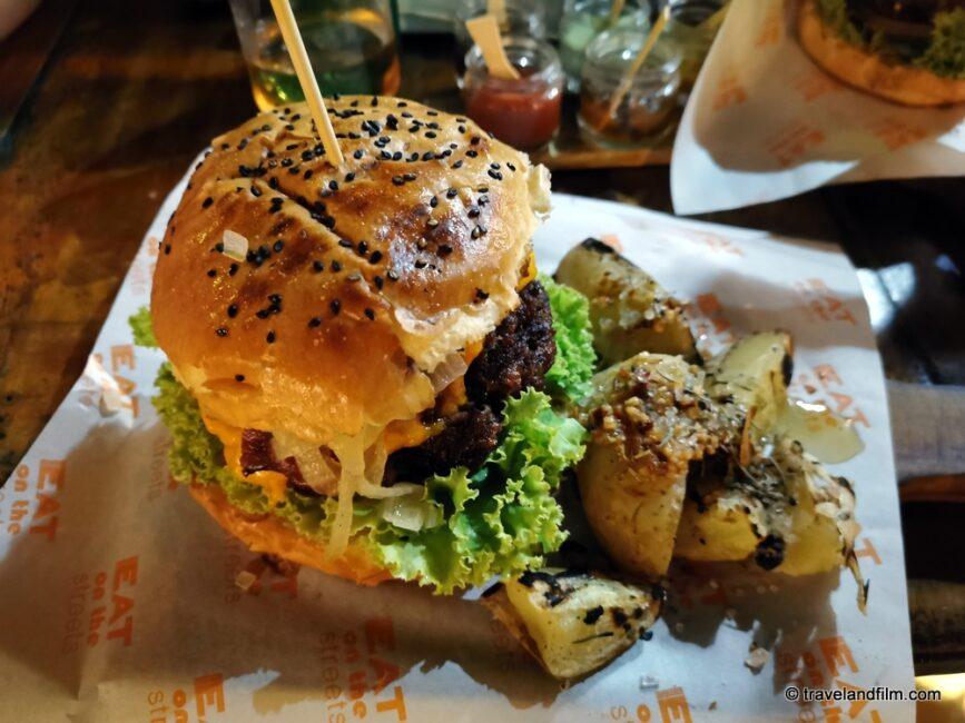 eat-burger-beco-jericoacoara