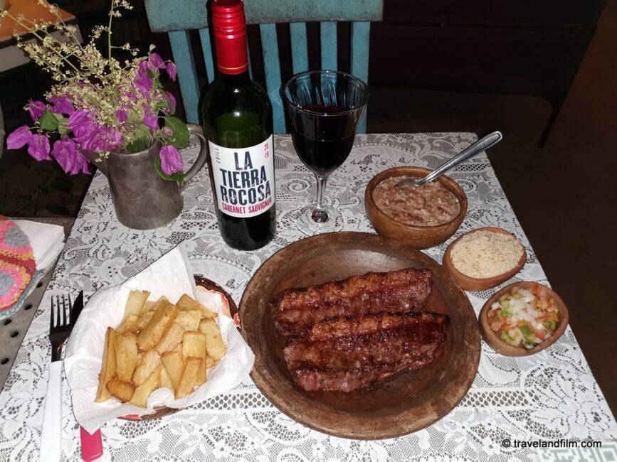 na-casa-dela-restaurant-jericoacoara